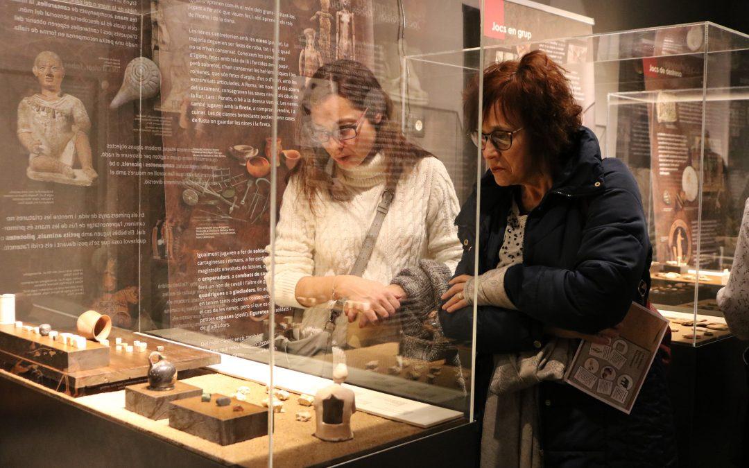 """Inauguració de l'exposició """"Jocs i joguines a l'Antiguitat"""" al Museu de Guissona"""