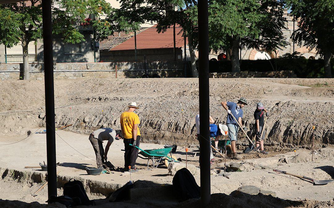 Comença el Curs d'arqueologia de la ciutat de Iesso més atípic.